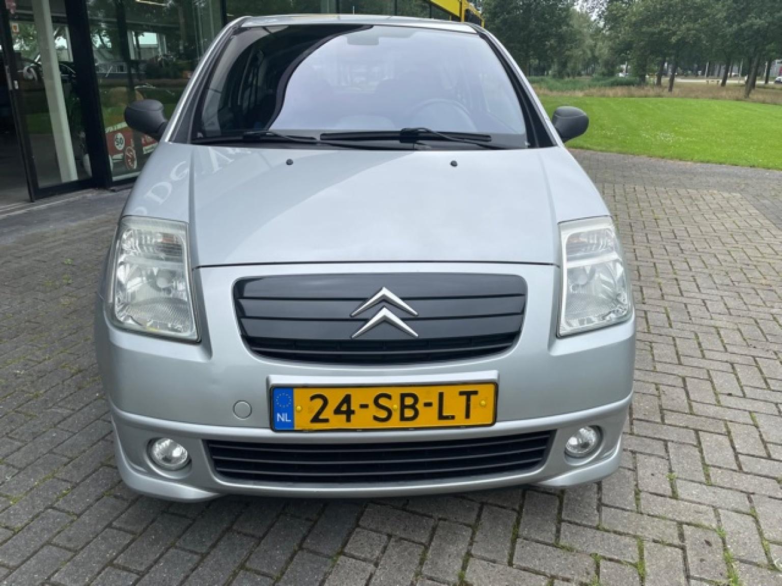 Citroën-C2-7
