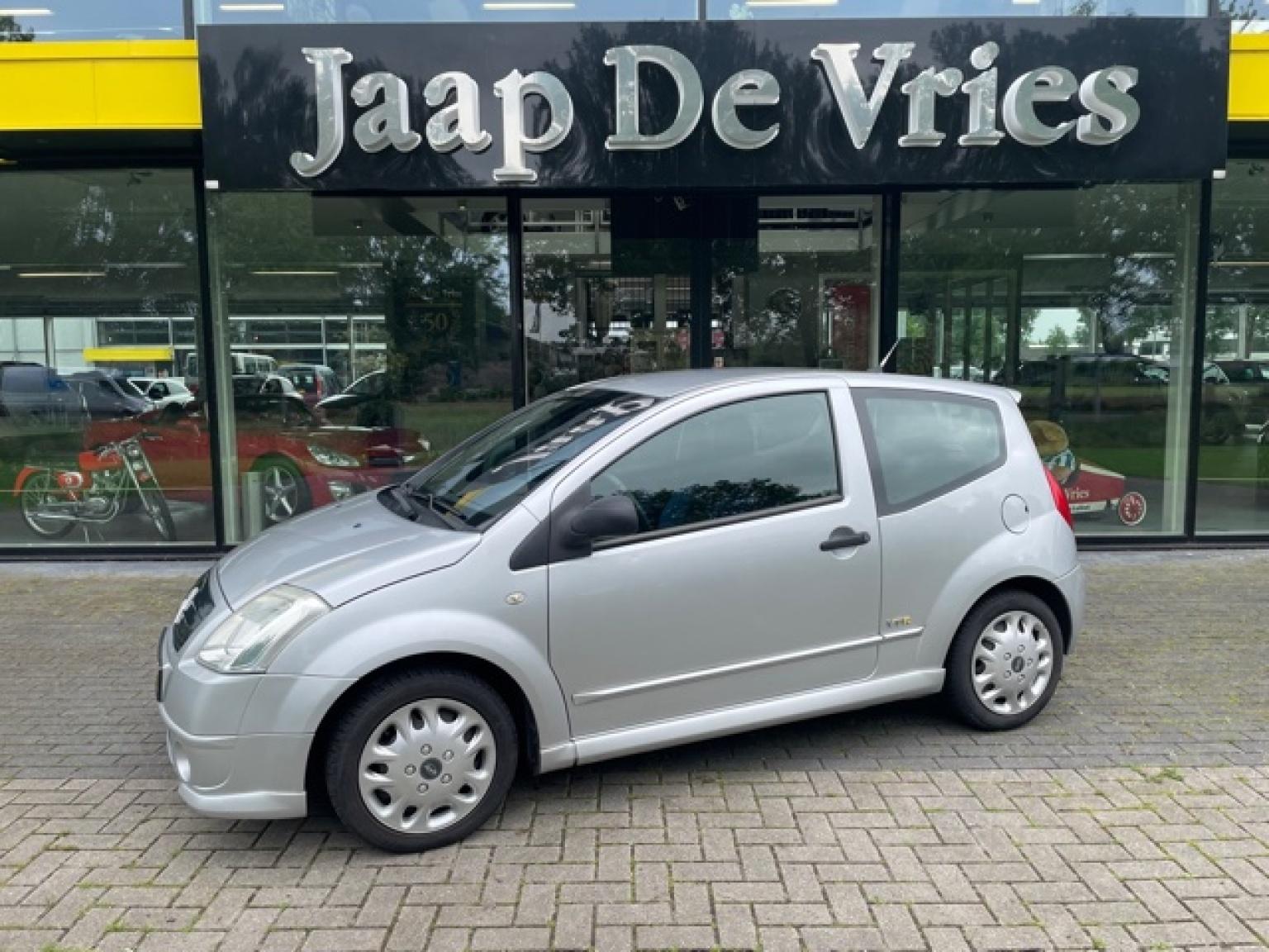 Citroën-C2-1